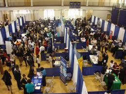 Make Valuable Business Connections at Career Fairs