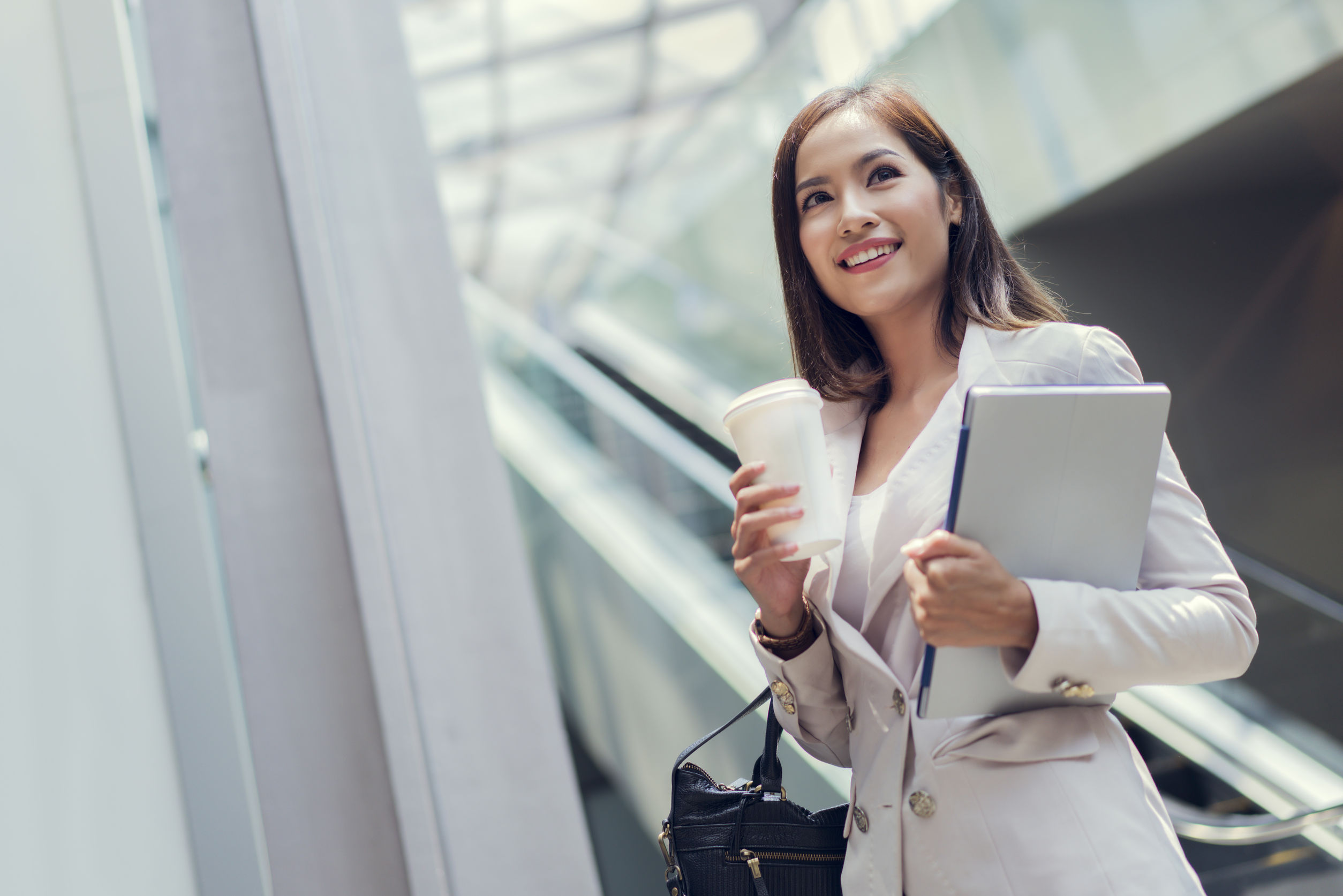 Tips for Women Moving Overseas for Work